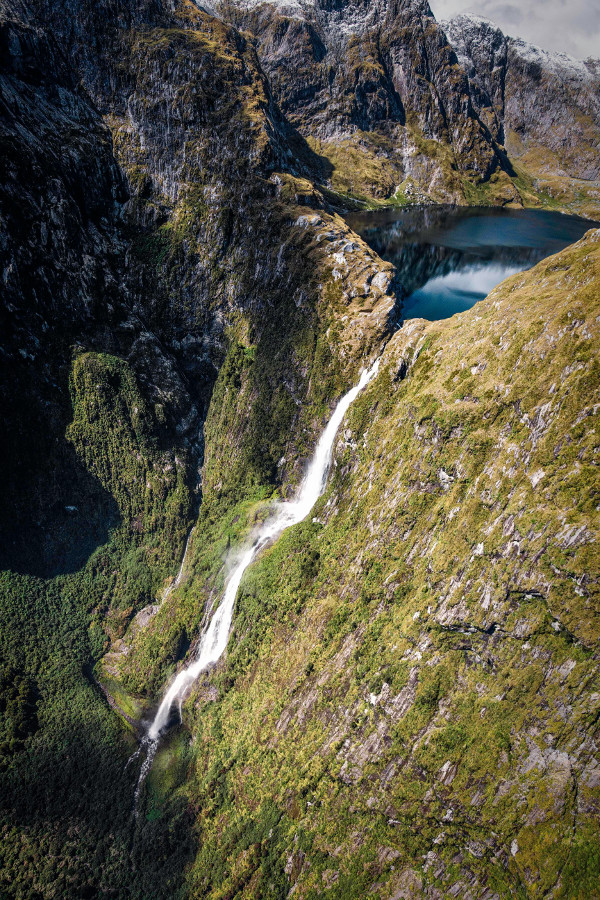 Sutherland Falls flowing from Lake Quill, high up in Fiordland - Imgur