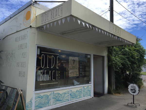 The Olde Beach Bakery (no queue mid-afternoon)