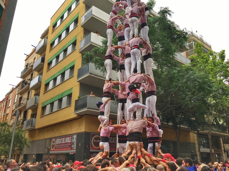 completed human tower barcelona
